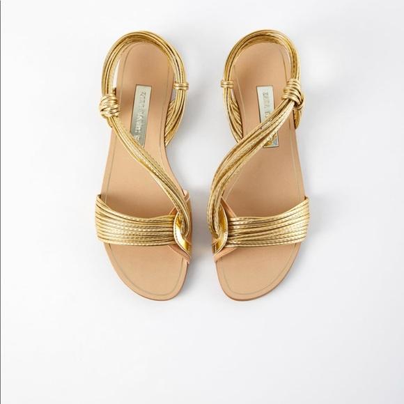 4b2ae93056e2 Gold Zara Flat Sandals. M 5b831315819e903765f94795